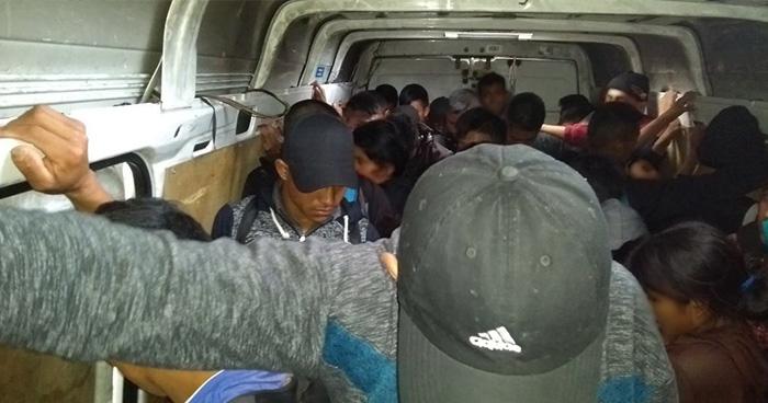 Rescatan a más de 50 migrantes centroamericanos en Tabasco, México