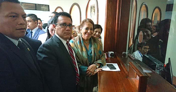 Constitucionalistas advierten al país que ley de medios atenta contra la libertad de expresión