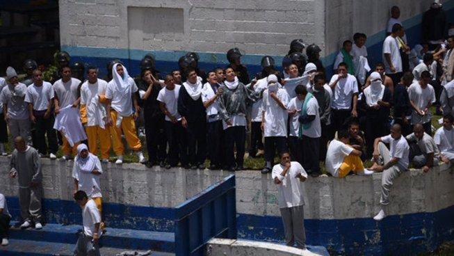 Nuevo motín en correccional de menores deja 15 heridos en Guatemala