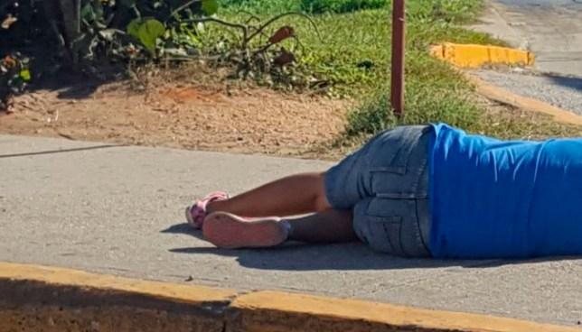 Delincuentes acribillan a balazos a una mujer en un cantón de Panchimalco, San Salvador