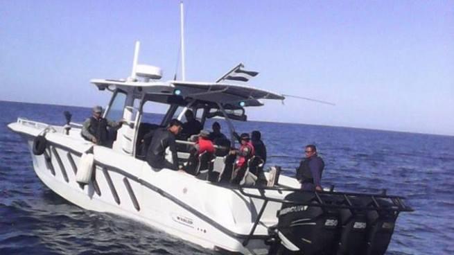 Fuerza Naval recupera paquetes sospechosos en el puerto de Acajutla, Sonsonate