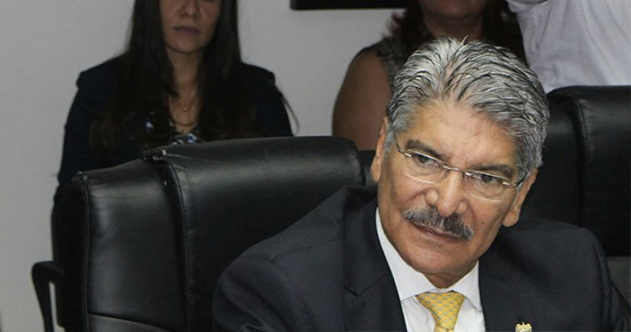 Norman Quijano denuncia que le falsificaron la firma en laAsamblea Legislativa