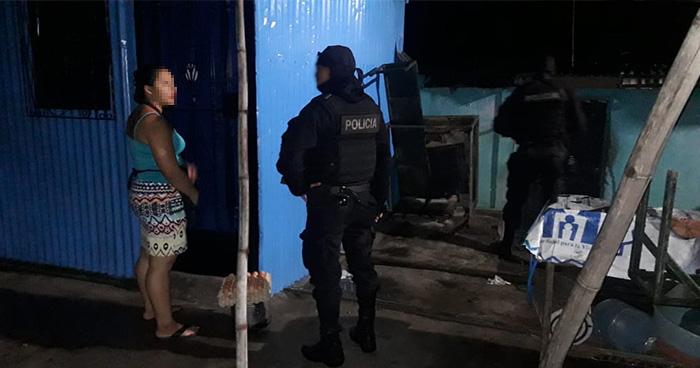 Policía verificó más de un centenar de viviendas en comunidad de San Salvador
