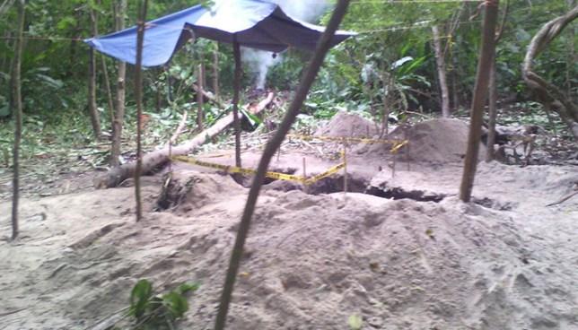 Hallan osamentas humanas en fosas clandestina en Puerto El Triunfo, Usulután