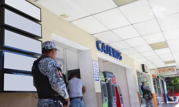PNC aumenta seguridad en agencias bancarias y zonas comerciales de la capital