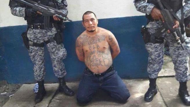 """Capturan a """"El Killer"""", palabrero de pandillas por el delito de extorsión en Sonsonate"""