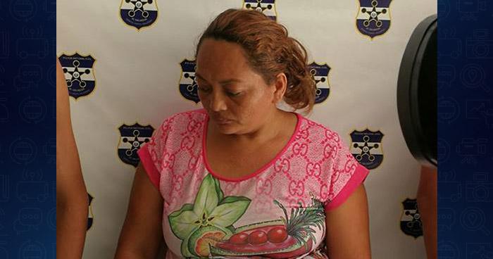 Mujer ocultaba droga en comida que entregaría a su hijo recluido en las bartolinas de San Miguel