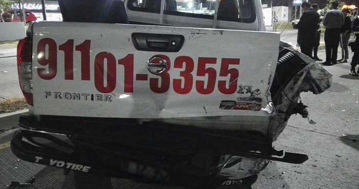 Conductor ebrio lesiona a tres agentes de la PNC tras chocar contra una patrulla