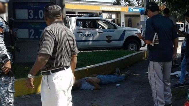 Persona muere por paro cardíaco en la quinta Avenida Norte y calle San Carlos, Mejicanos