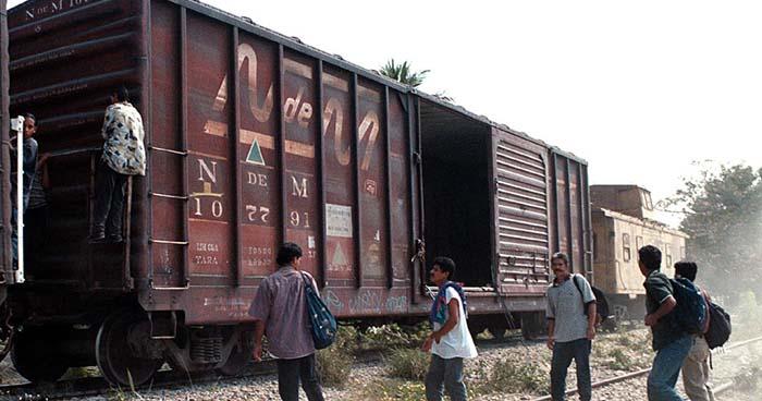 Migración de salvadoreños hacia Estados Unidos disminuye en un 60%