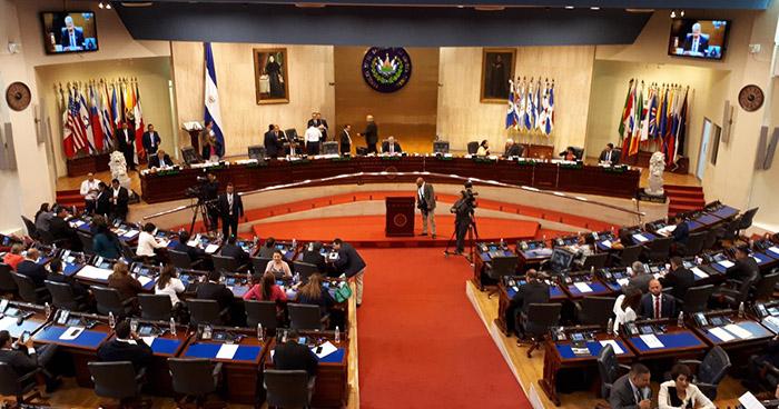 Hoy pagarán salarios a empleados de la Asamblea Legislativa