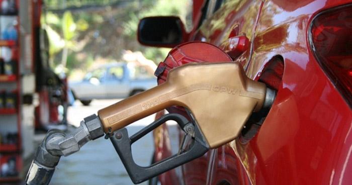 Precios de los combustibles continúan a la baja, a partir de este martes bajaran hasta $0.20