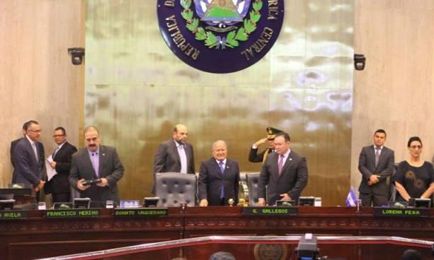 Asamblea Legislativa otorga permiso al Presidente Sánchez Cerén para realizar 8 viajes