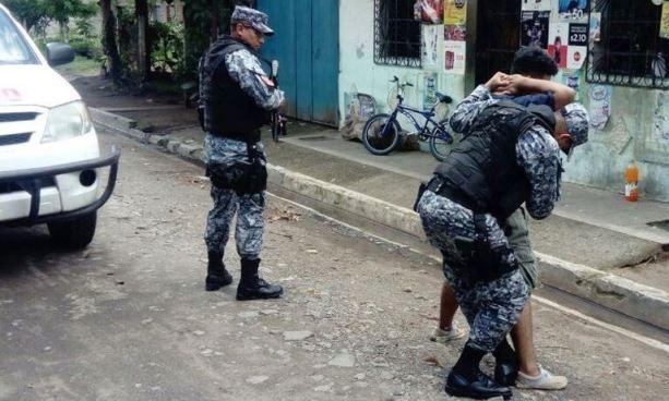 Presuntos pandilleros secuestran a joven que llegó a visitar a sus familiares en Sonzacate