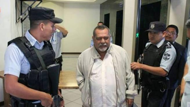 Raúl Mijango es trasladado al penal de Mariona