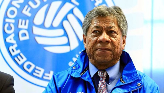 La FIFA suspendio a extécnico de la Selecta por intento de manipulación de partidos