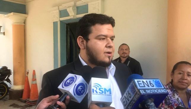 Raymond Villalta renuncia a su candidatura a concejal dentro de la planilla de Jackeline Rivera