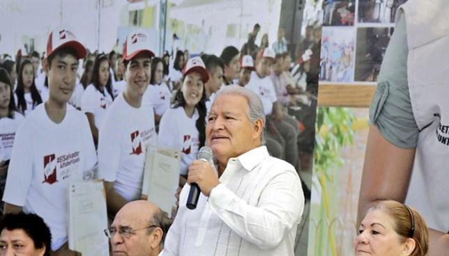 Presidente anuncia cambios en su gobierno para rectificar desaprobación electoral