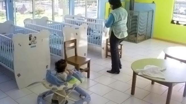 Sala ordena regular mantenimiento de salas cuna para hijos de trabajadores