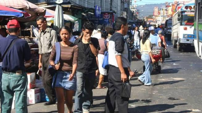 87 % de los salvadoreños pide un cambio de rumbo en el país, según encuesta de DEM