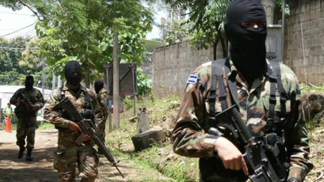 Asesinan a Sargento de la Fuerza Armada y lesionan a su esposa en Coatepeque, Santa Ana