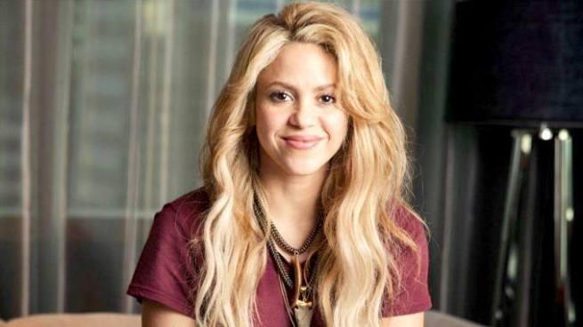 Shakira se ve obligada a suspender su gira por hemorragia en cuerdas vocales