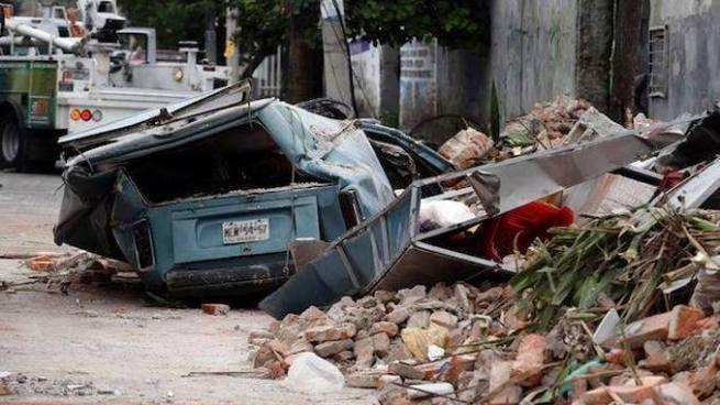 Se eleva a 32 el número de fallecidos por el potente terremoto en México