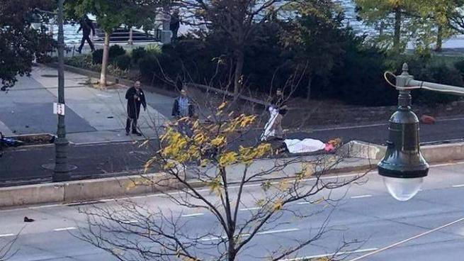 Atropello y tiroteo en Manhattan deja 4 muertos y varias heridos