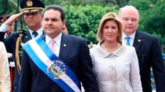 Levantan embargo de negocios del expresidente Saca y su esposa