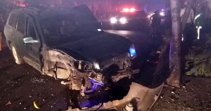 Conductor con 500 grados de alcohol choca al intentar huir de las autoridades en San Salvador