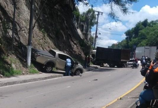 Accidente de tránsito deja a 3 personas lesionadas