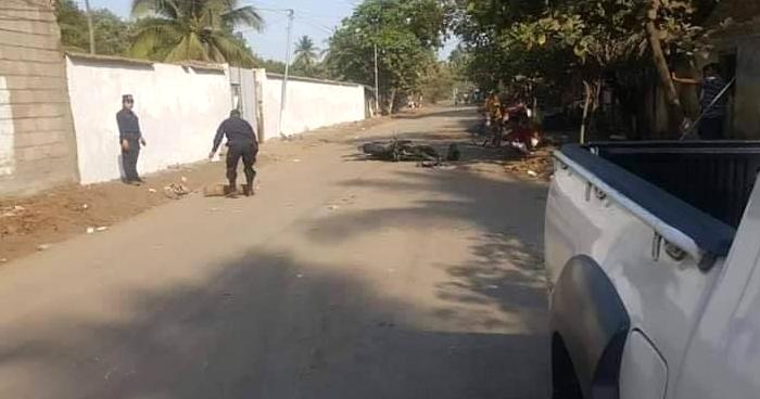 Motociclista muere al accidentarse sobre carretera Litoral en Acajutla, Sonsonate