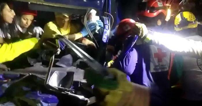 Un fallecido y dos lesionados tras aparatoso choque en Ilopango