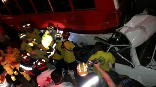 Muere hombre tras fuerte accidente de transito en carretera a Comalapa