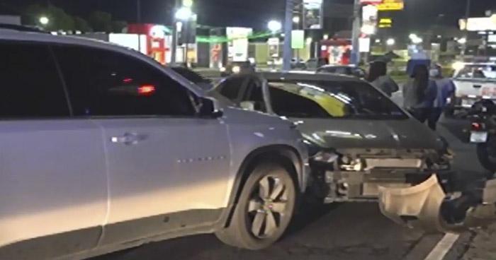 Conductor ebrio provoca accidente en Bulevar Los Próceres