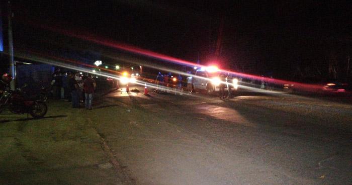 Anciano muere tras ser atropellado por un vehículo en carretera de Ahuachapán