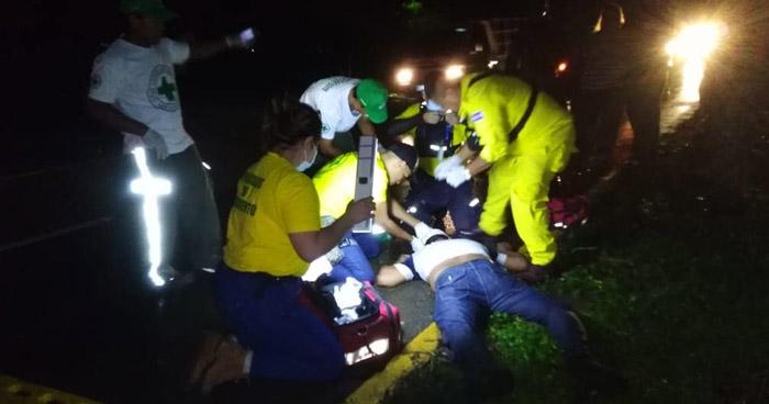 Motociclista queda inconsciente tras ser arrollado por un conductor que se fugó en Ciudad Arce