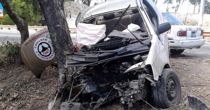 Tres personas resultaron lesionadas tras accidente de tránsito en carretera a Comalapa