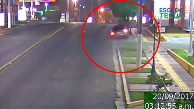 VÍDEO   Fuerte accidente de tránsito es captado por cámaras de videovigilancia en Santa Tecla