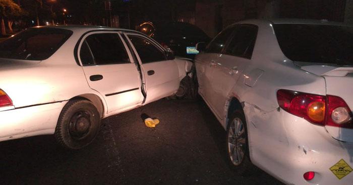 Conductor con más de 500° de alcohol fue capturado tras provocar choque