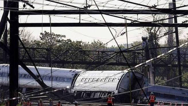 Más de 40 heridos tras accidente de trenes en Filadelfia, Estados Unidos