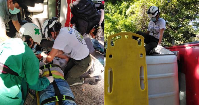Dos lesionados tras vuelco de camión en carretera a Santa Ana