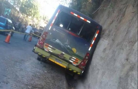 2 fallecidos y varios lesionados en accidente de transito en Guaymango, Ahuachapan
