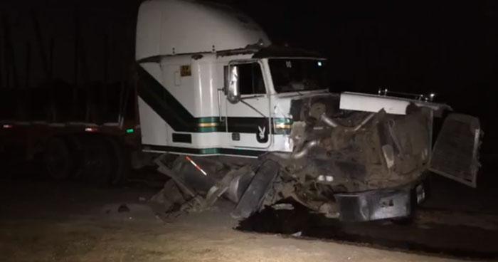Dos fallecidos y seis lesionados tras choque en carretera hacia la frontera La Hachadura
