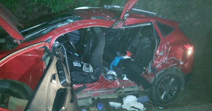 Cinco lesionados tras aparatoso accidente en carretera Litoral, en La Libertad