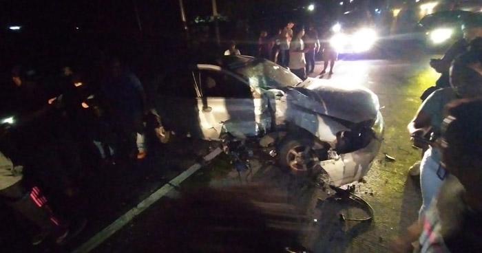 Muere motociclista al chocar cuando participaba en una carrera ilegal por Caballería