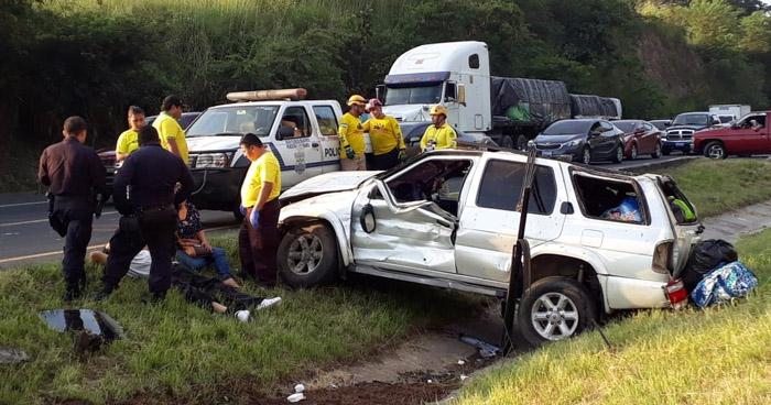 Grave accidente de tránsito en carretera de Oro deja dos lesionados