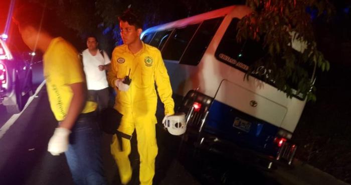 Una personas fallecida y varios lesionados tras accidente de Coaster de la Ruta 100A carretera a Santa Ana