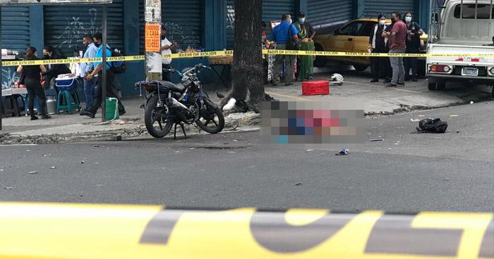 Motociclista fallecido tras accidente en el centro de San Salvador