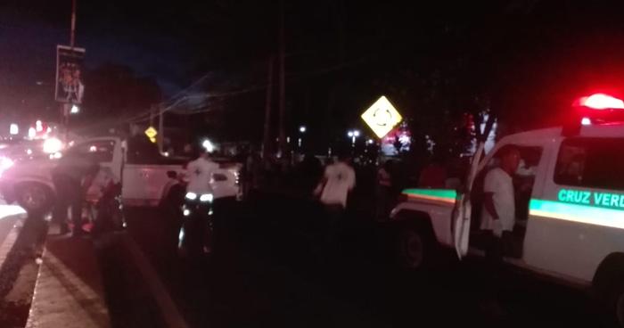 Al menos 6 lesionados dejo un accidente de transito en Santa Ana